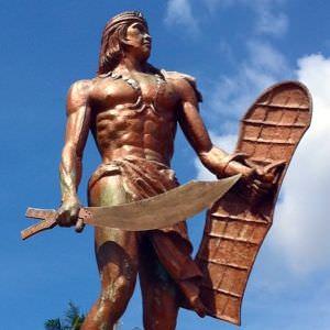 ラプラプ像300_300mactan_lapulapu_monument